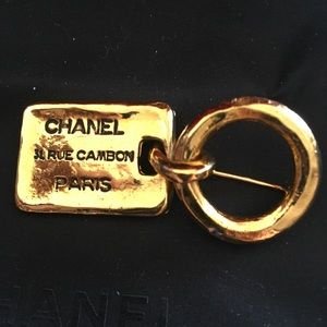 Authentic Gorgeous CHANEL Brooch!